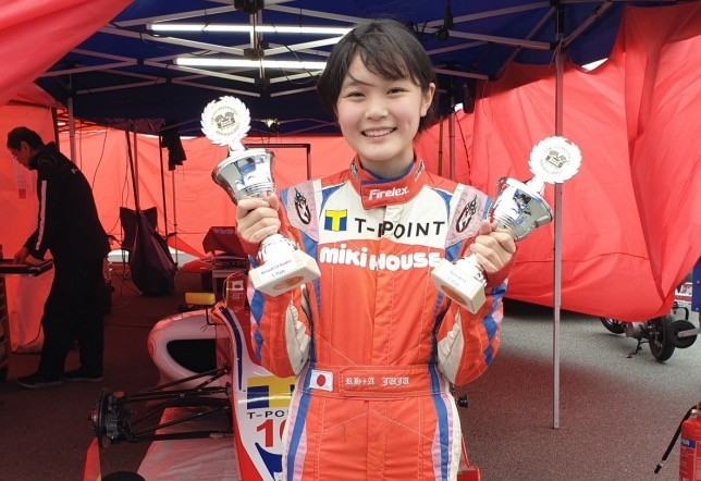 Ф4: Дочь экс-пилота Ф1 выиграла дебютную гонку в Европе